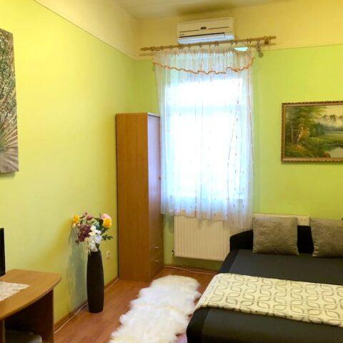 002-ulloi-ut-178-szoba-2