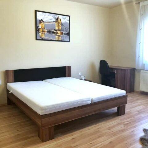 pazmand-u-8-szoba1-001a