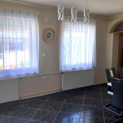 pazmand-u-8-szoba1-202a