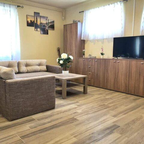 pazmand-u-8-szoba1-214a