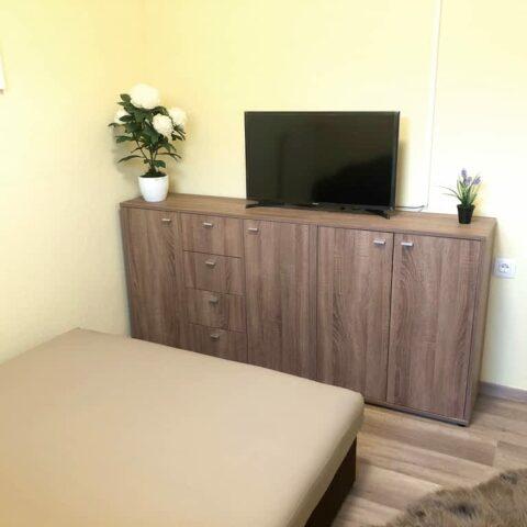 pazmand-u-8-szoba4-002