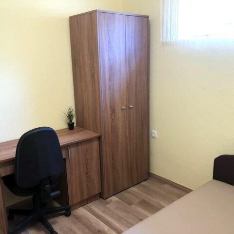 pazmand-u-8-szoba4-003