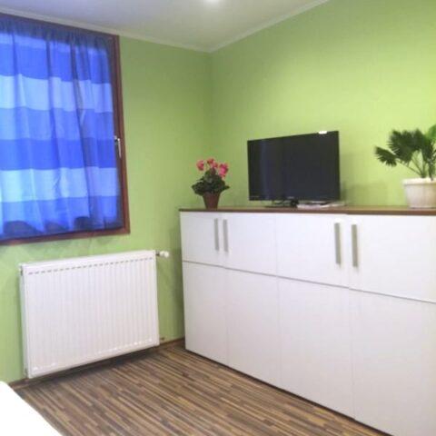 002-5.szoba-ablak